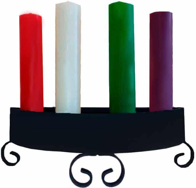 una corona de ejemplo de las 4 velas de adviento