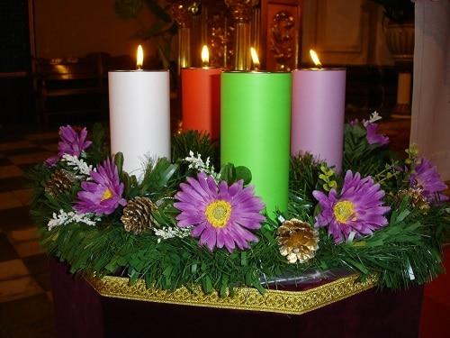 corona adviento velas moradas