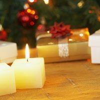 vela blanca para decorar en navidad