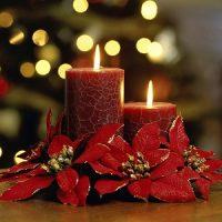 vela roja agrietada para decorar en navidad