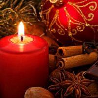 velas rojas en navidad